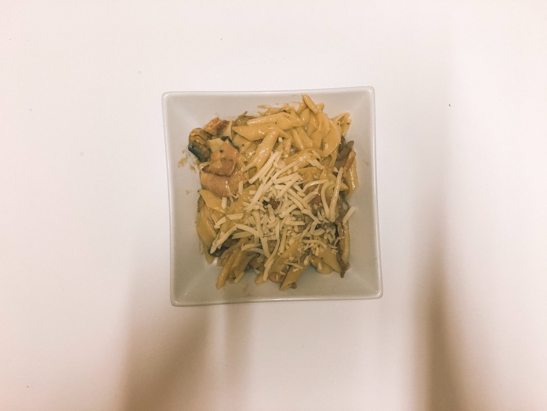 Healthy carbonara recipe in square bowl