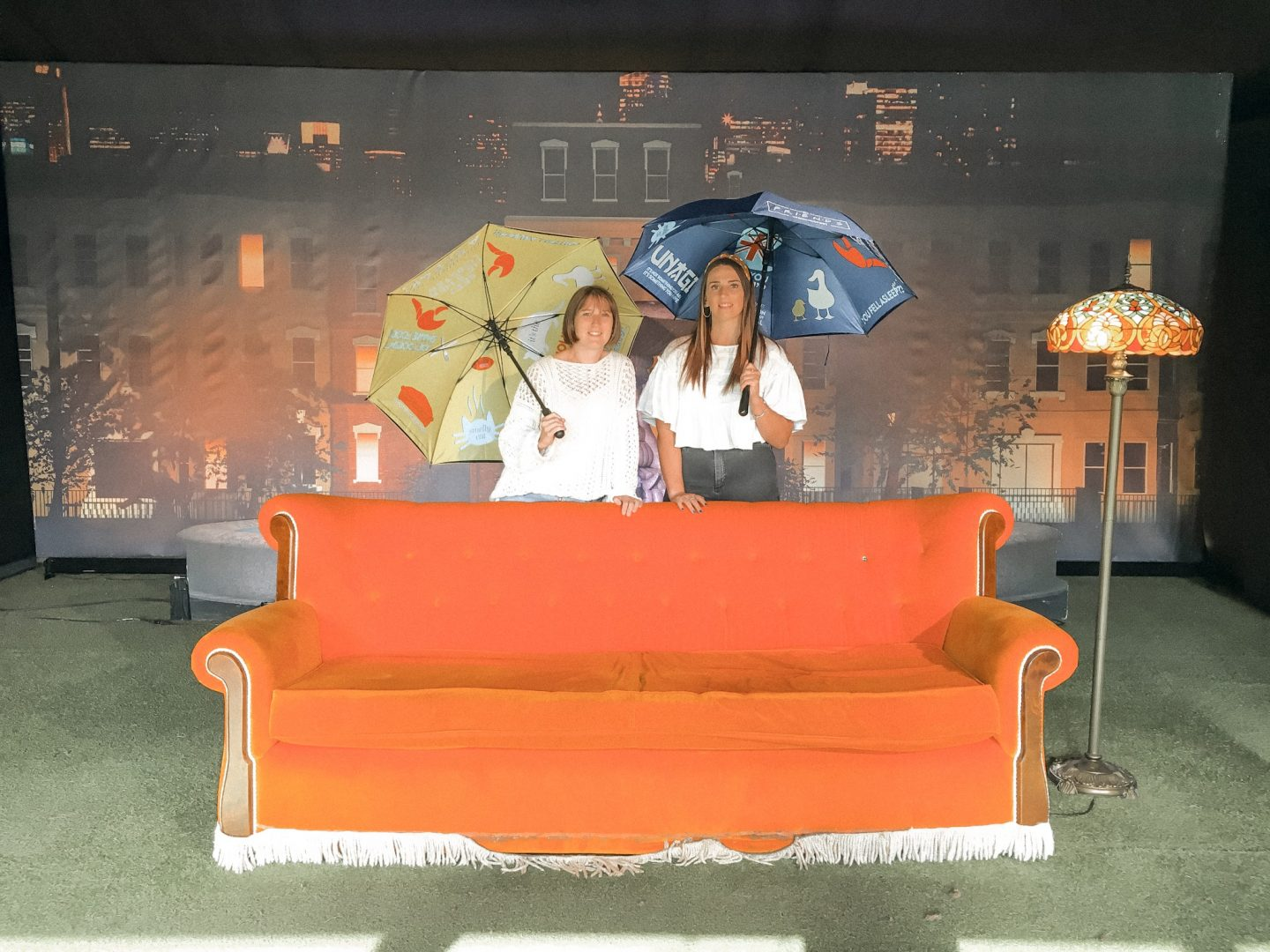 Friendsfest iconic sofa scene