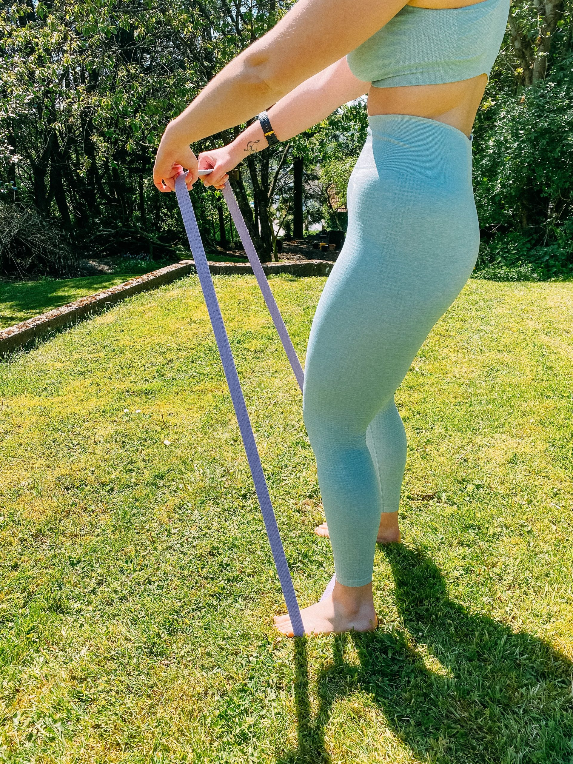 Upright row with lilac BND long resistance band