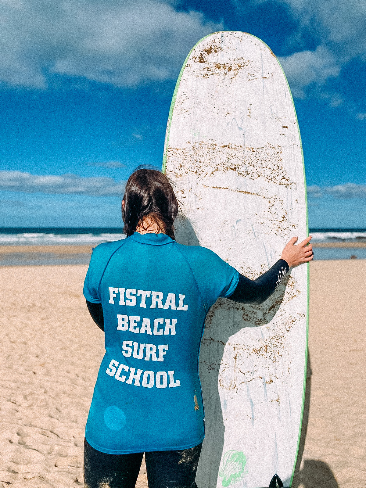Fistral beach surf lesson in Newquay, North Cornwall